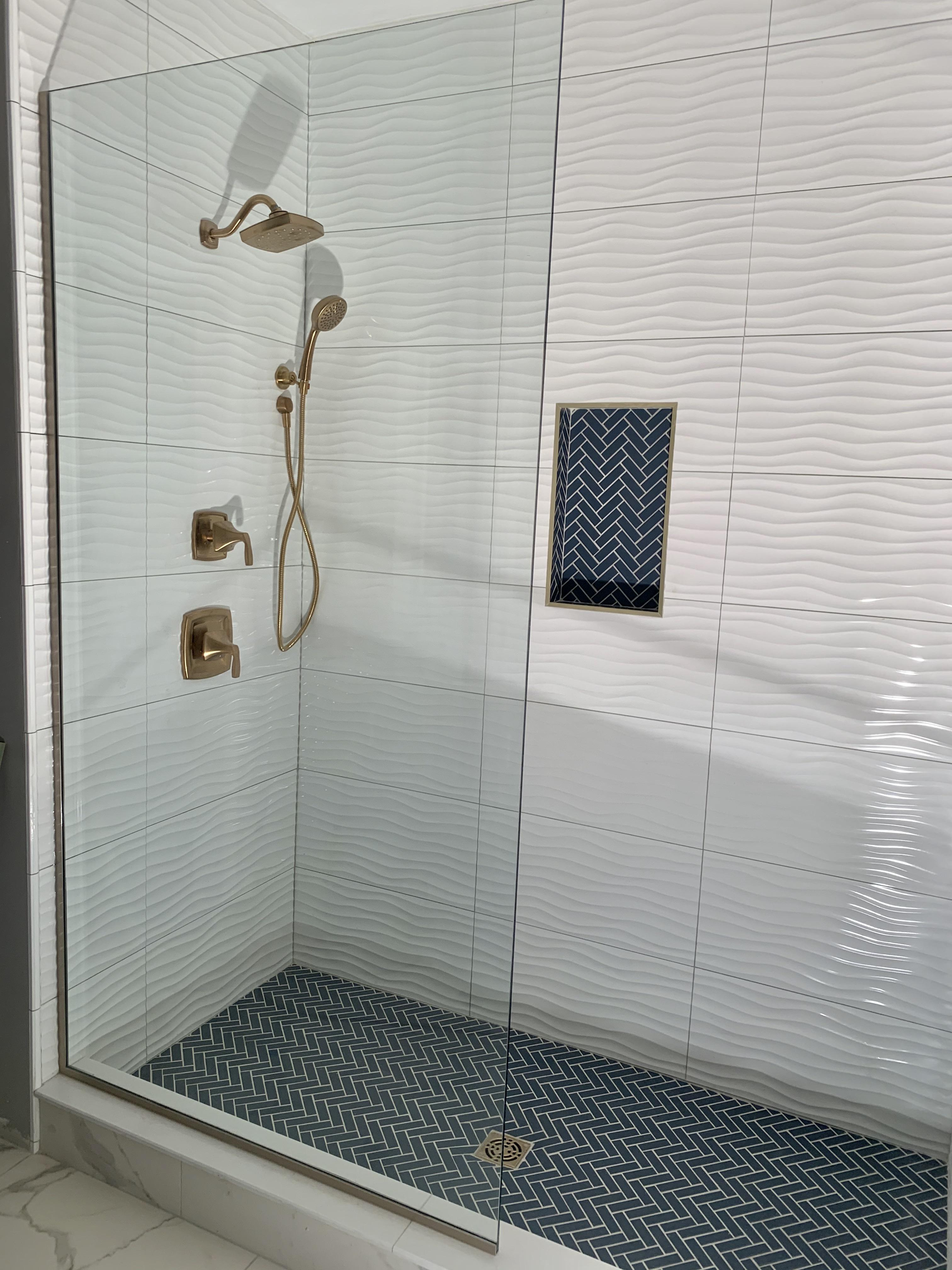 a nice wavy shower with some blue