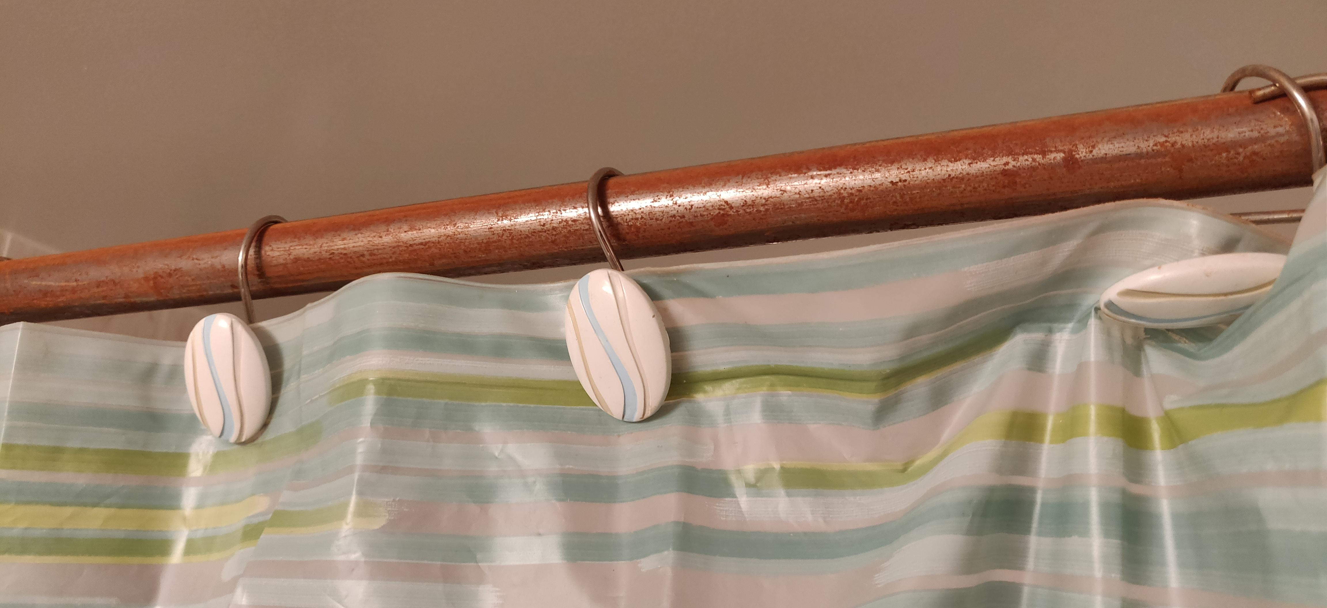 the shower curtain rod that can rust