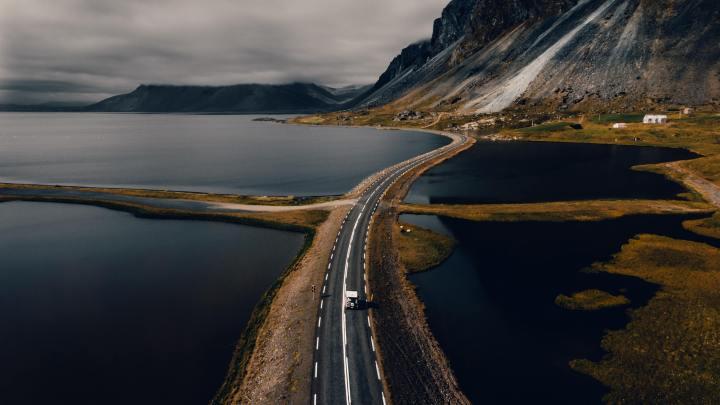 Road in Iceland (Photo credit to Tanya Grypachevskaya) [3840 x 2160]