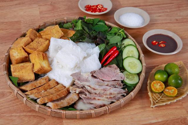 street-food-bun-dau