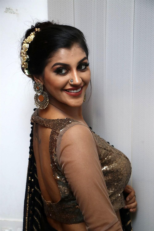 Yashika Anand in saree