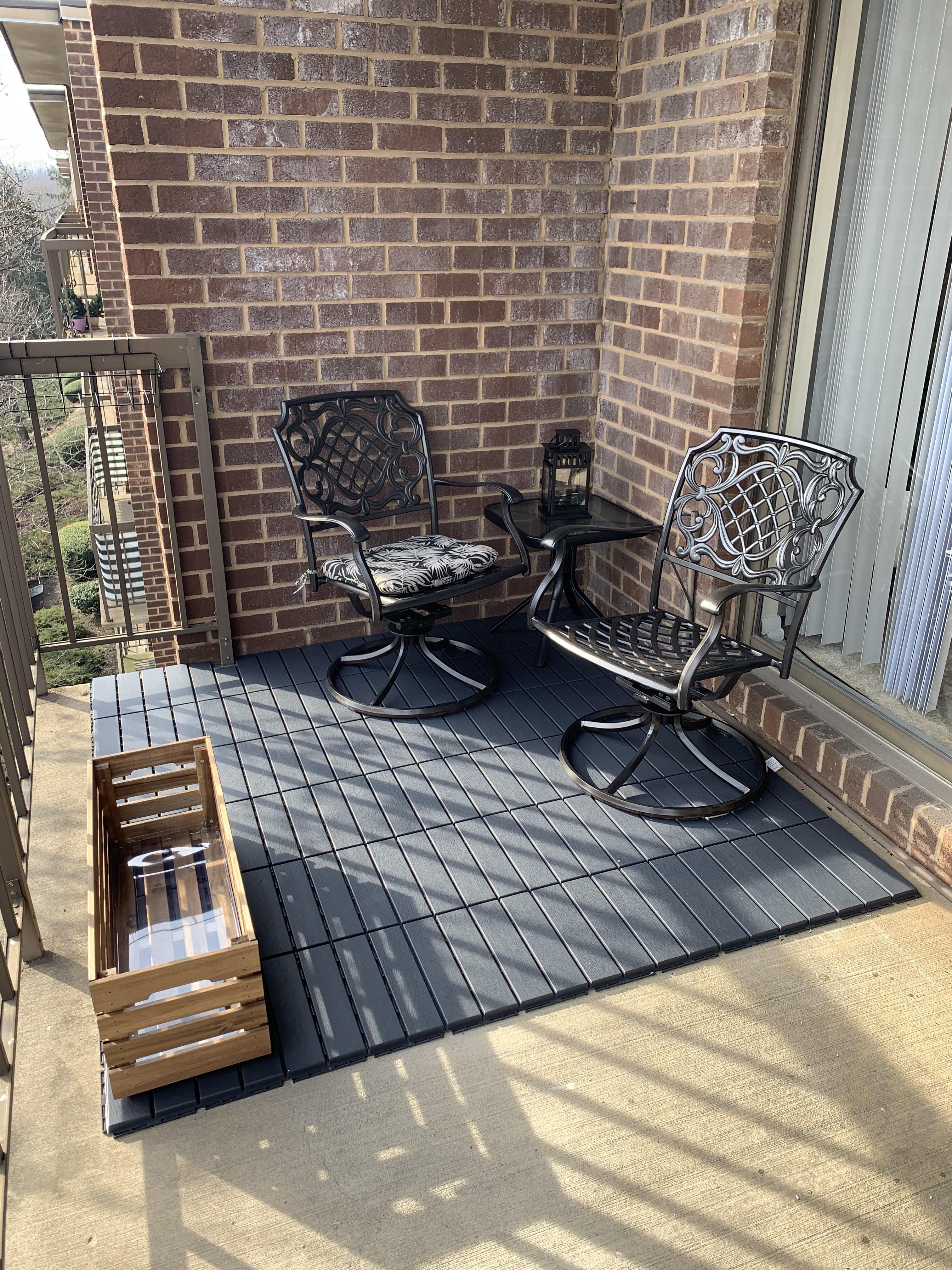 nice little outdoor patio area i