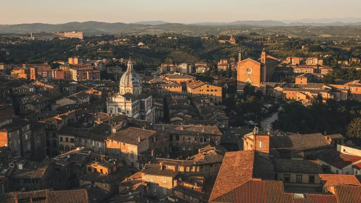 Rooftops of Siena, a city in central Italy's Tuscany region (Photo credit to Cristina Gottardi) [4896 x 2760]