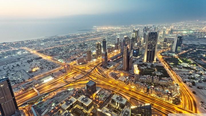 View of Dubai from the Burj Khalifa [1920 x 1080]