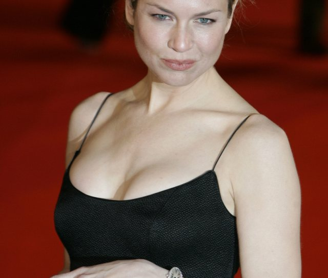 Renee Zellweger In A Little Black Dress