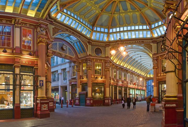 The central interior of Leadenhall Market, London [2645 x 1792]