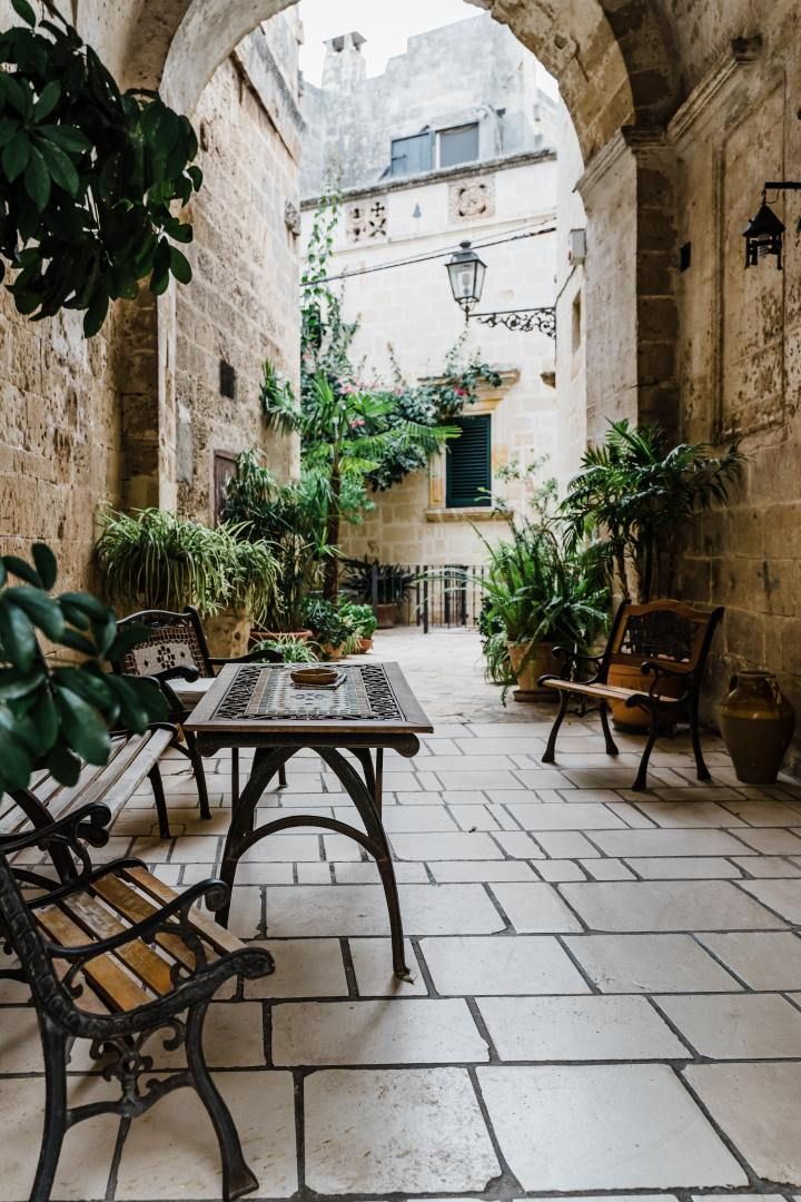 A secluded courtyard in the town of Manduria, Puglia, Italy (Photo credit to Gabriella Clare Marino)