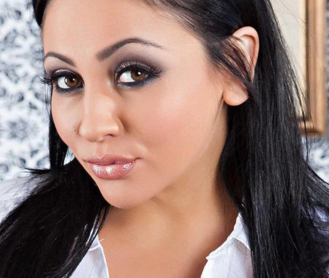 Audrey Bitoni Has Some Great Eyes