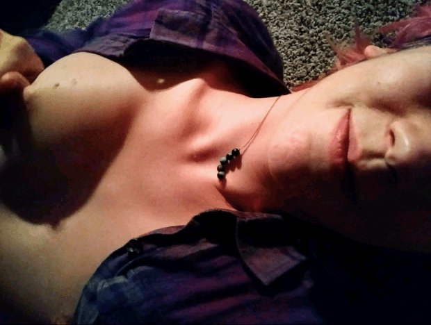 oy1szxpapbs21 - I like to tease before getting put in my place [F] Nude Selfie