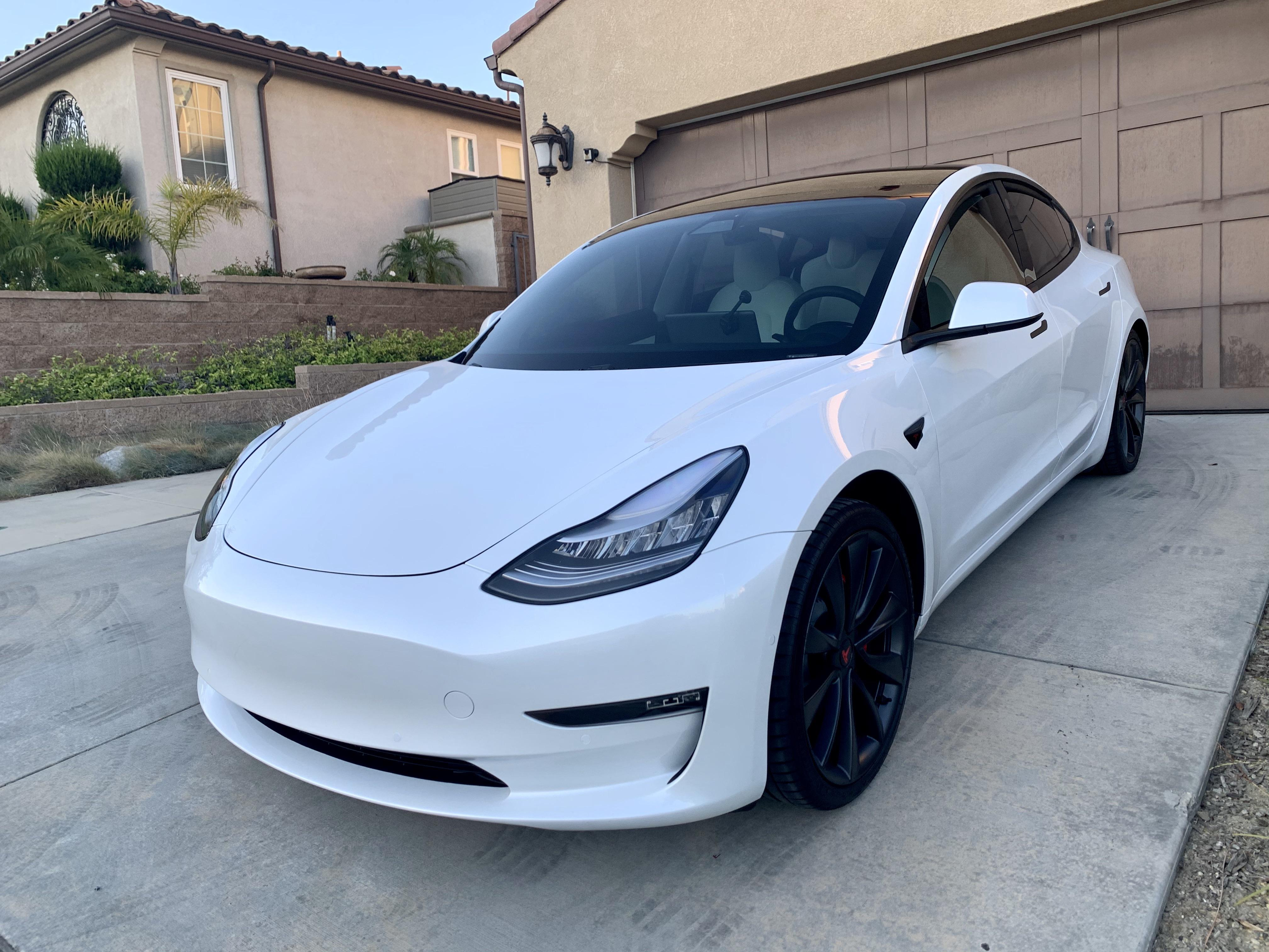 Front Windshield Ceramic 50 Tint Added Today Roof Too Rest Of The Windows Already Had Non Ceramic Tint Teslamodel3