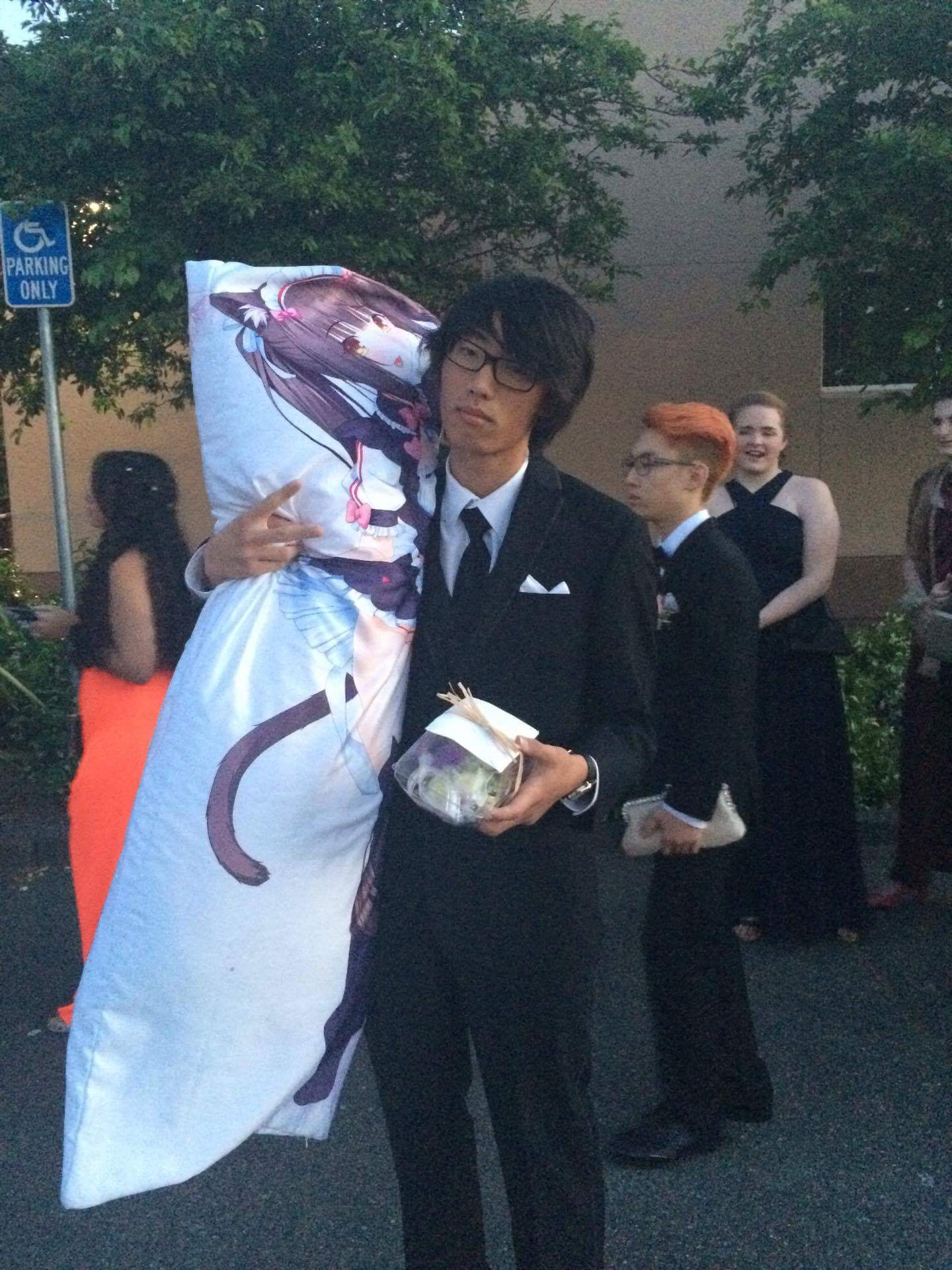 i took a body pillow to my senior prom