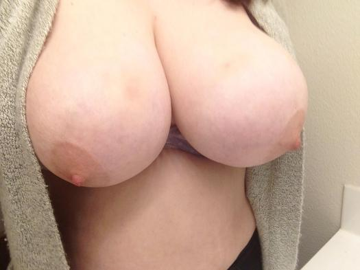 vrgb1pc11pc01 - Feelin naughty today ;3 [x-posted on r/gonewild]