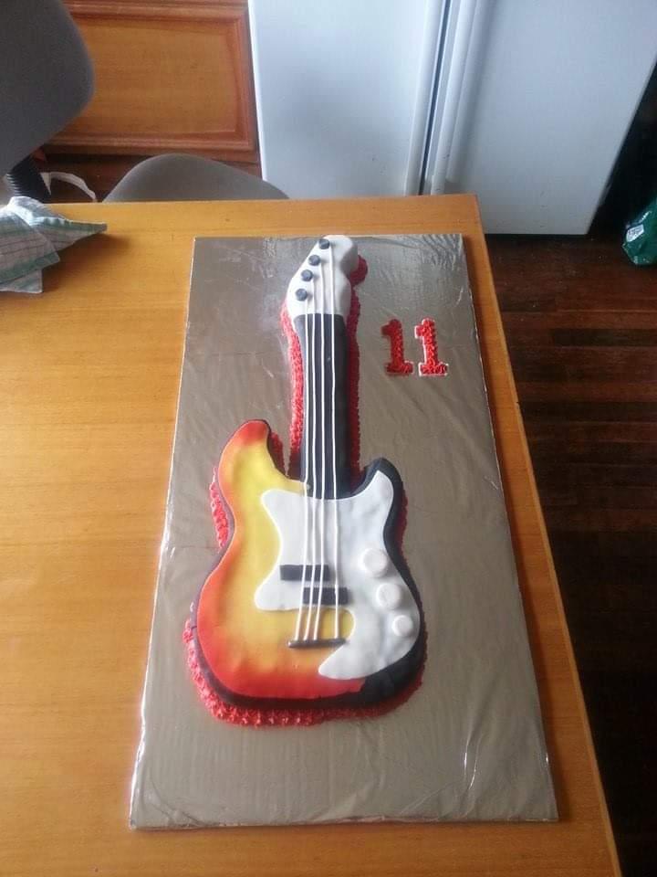 Fender Bass Guitar Birthday Cake I Made For The Kids I Used To Babysit Baking