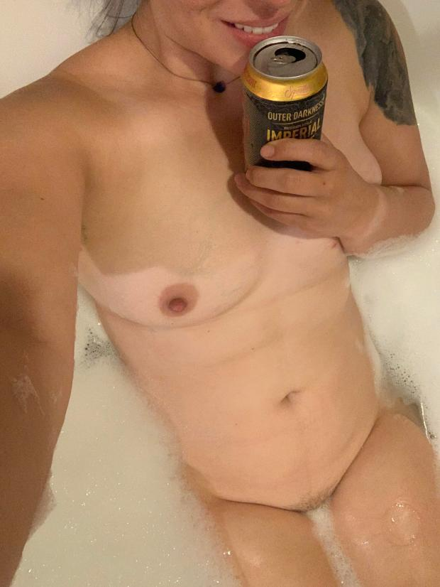 x9vgygfkyig31 - Do I belong in outer darkness? [F] Nude Selfie