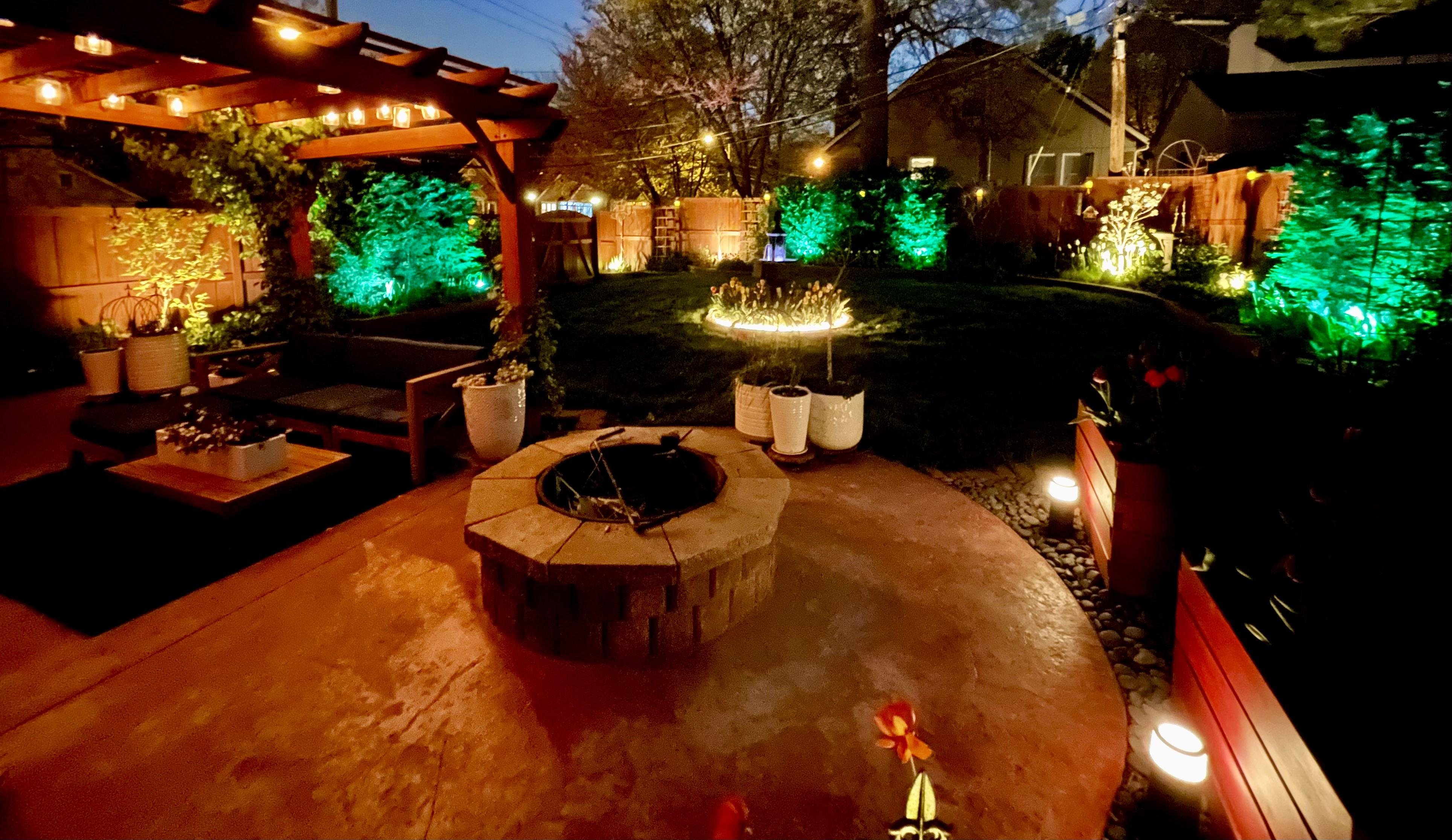 loving the philips hue outdoor lights