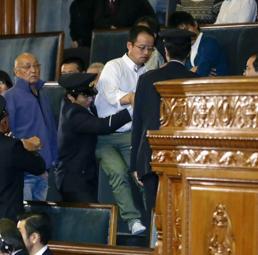 Giappone, approvata tra forti proteste interne e internazionali la legge che restringe il diritto all'informazione
