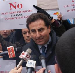 Armi chimiche a Gioia Tauro: cresce la protesta dei sindaci, Letta li convoca a palazzo Chigi lunedì