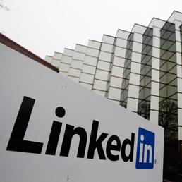 LinkedIn, raddoppia il fatturato e vola oltre 150 milioni di utenti (AP Photo)