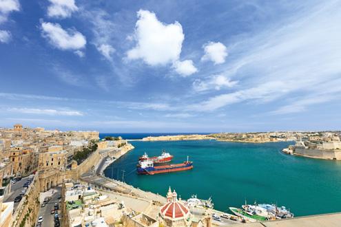 """На Малта с """"окото на Озирис"""", браджоли и лампуки пай"""