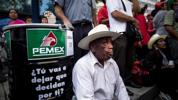 """Petróleo sigue soportando finanzas de México """"pero no por mucho tiempo más"""": Forbes"""