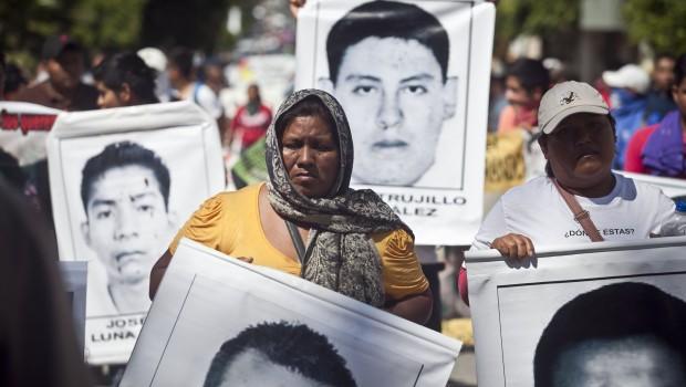 Normalistas de Ayotzinapa merecen justicia: Banco Mundial