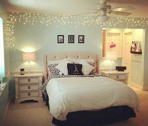 45 ideas to hang christmas lights in a bedroom - shelterness