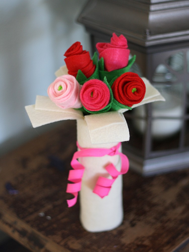 9 Cute DIY Non Flower Valentine Bouquets Shelterness