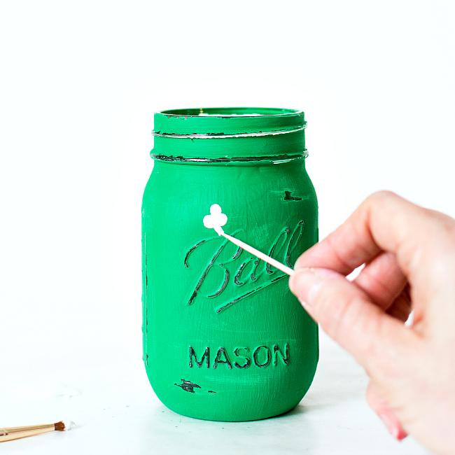 DIY Painted Shamrock Mason Jars For StPatricks Day