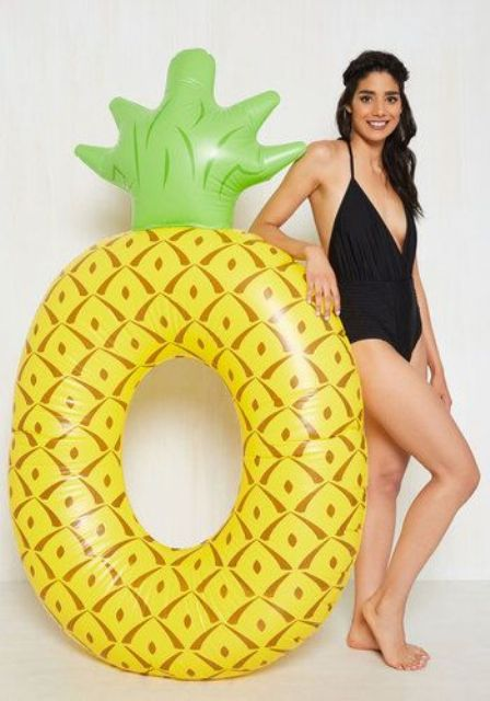 pineapple pool float is comfy for swimming