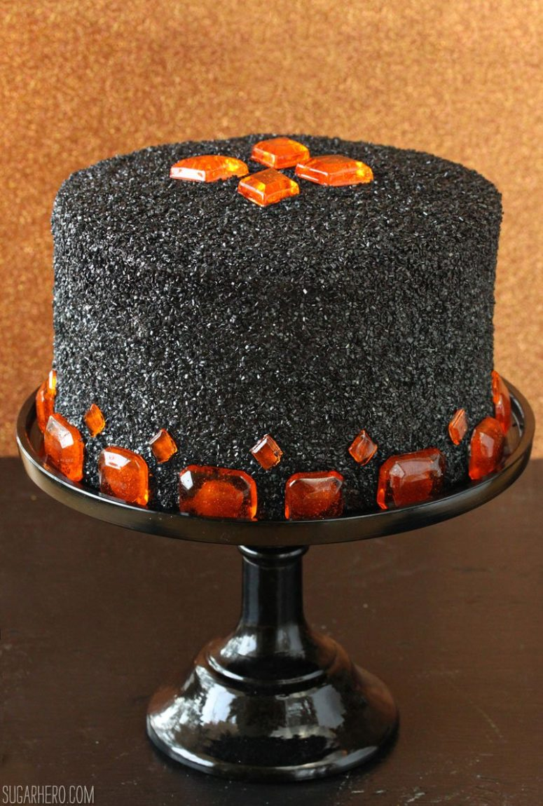 11 Jaw Dropping And Tasty Diy Halloween Cakes Shelterness