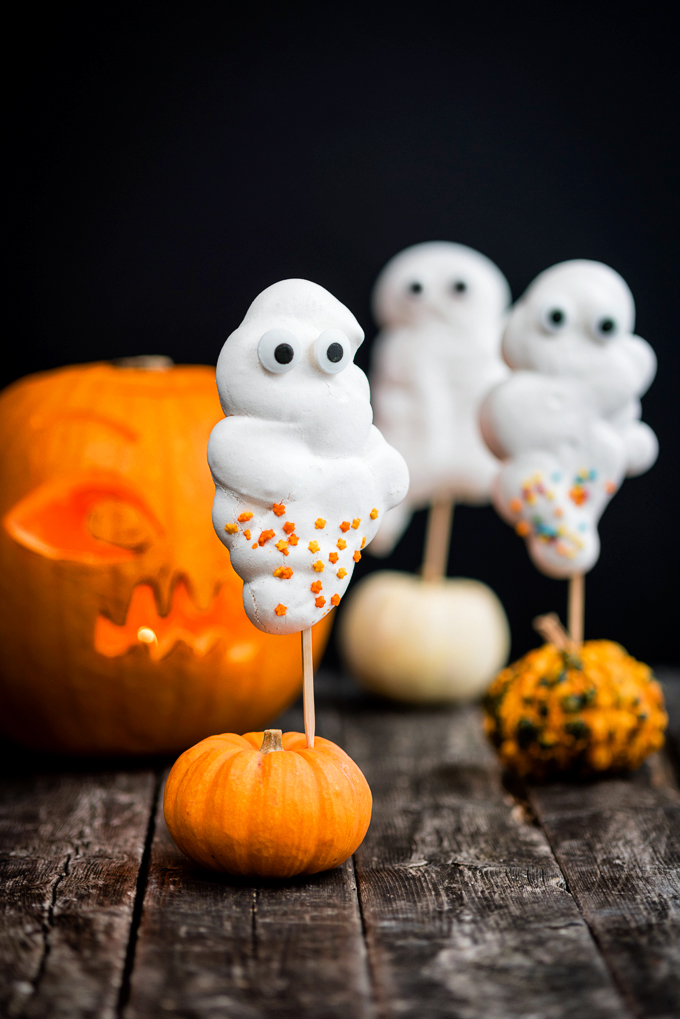 11 Tasty And Fun Diy Halloween Desserts For Kids Shelterness