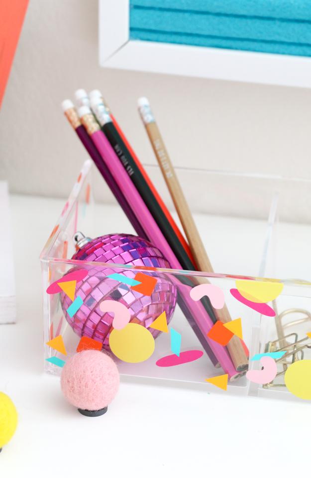 DIY colorful confetti acrylic organizer (via akailochiclife.com)