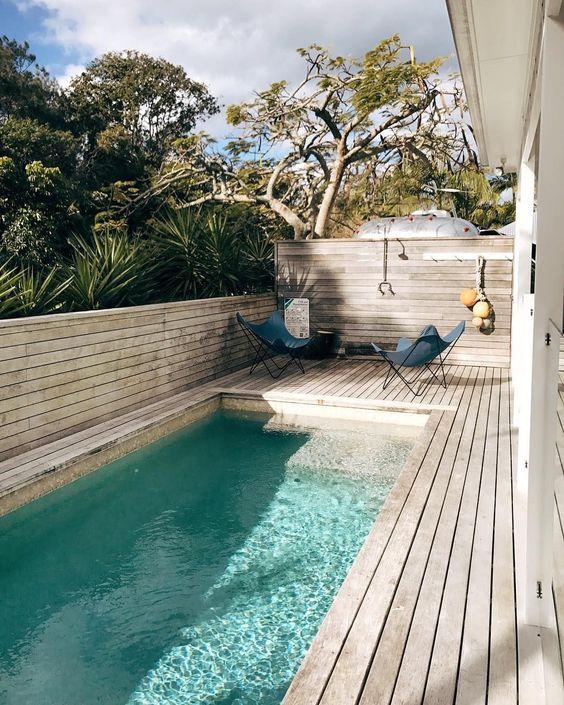 25 stylish pool deck decor ideas