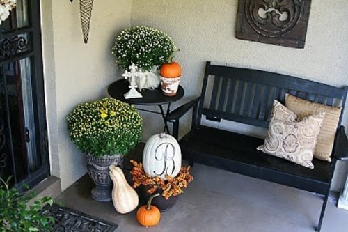 70 Cute And Cozy Fall And Halloween Porch Dcor Ideas Shelterness