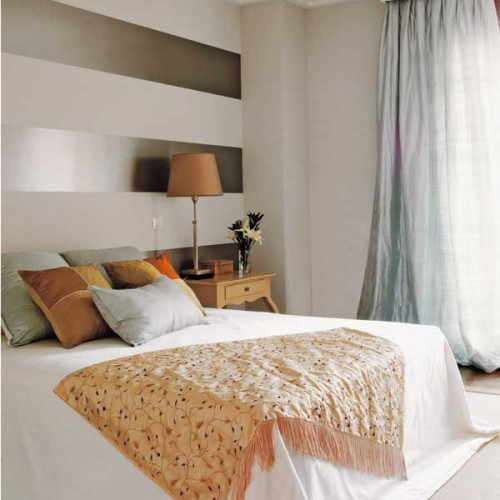 25 Ideas To Decorate Wall Behind Your Headboard With