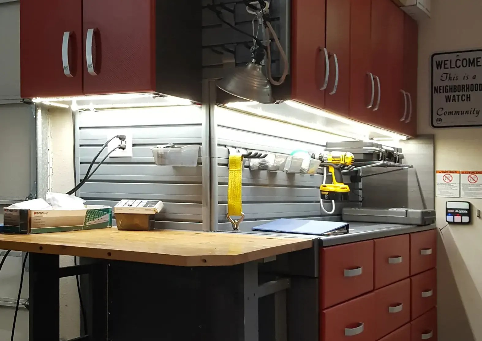 type of under cabinet lighting