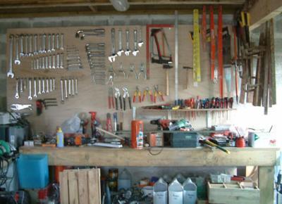un garage bien range la maison des