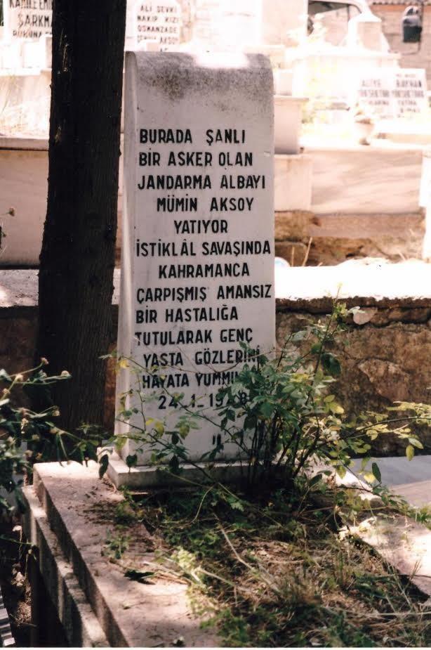 13- Gavur Mümin'in (Aksoy) İzmir Balçova Kabristanındaki mezarı.
