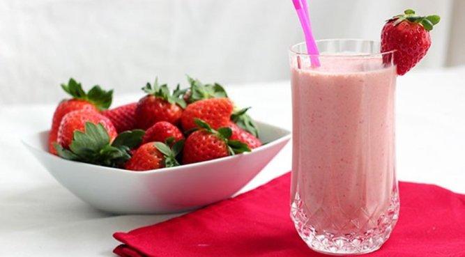 How to make milkshakes? Here's strawberry milkshake recipe...