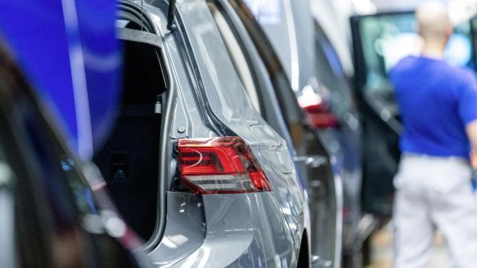 Volkswagen üretime ara verme süresini uzattı!