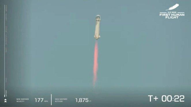Dünyanın en zengin insanı Jeff Bezos uzaya gidip döndü 14