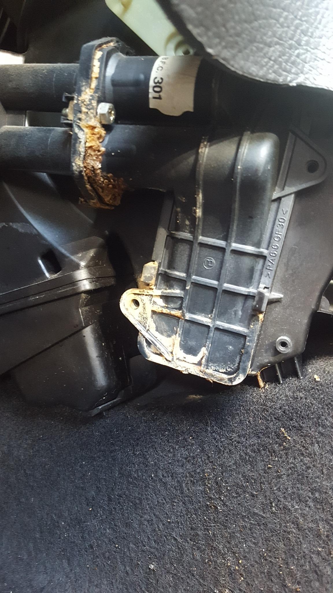 Peugeot 206 Suspected Heater Matrix Leak Motor Vehicle