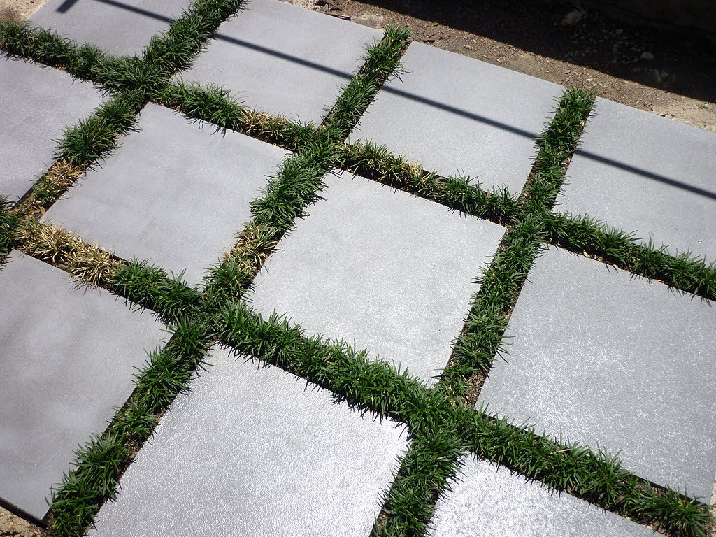 is it possible to paint concrete pavers