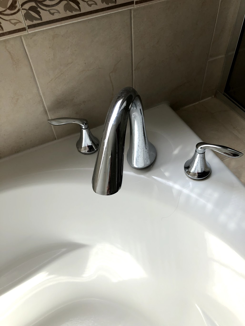 no hot water in only one bath tub