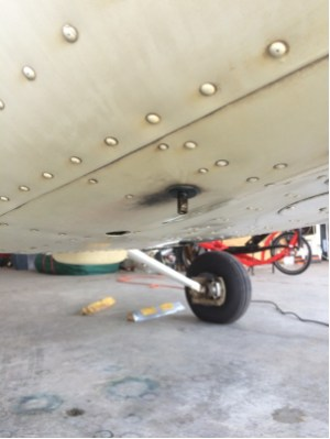 fuel  What is this stem on the underside of a Cessna 172R (1997)?  Aviation Stack Exchange