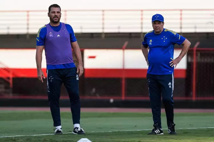 With activity at the Antônio Accioly stadium, of Atlético-GO, Cruzeiro ended its preparations to face Goiás, for the 22nd round of Serie B. The match is scheduled for 9:30 pm this Tuesday, in Serrinha, in Goiânia.