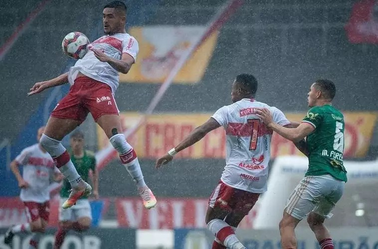 Images of the match between CRB and Cruzeiro, not
