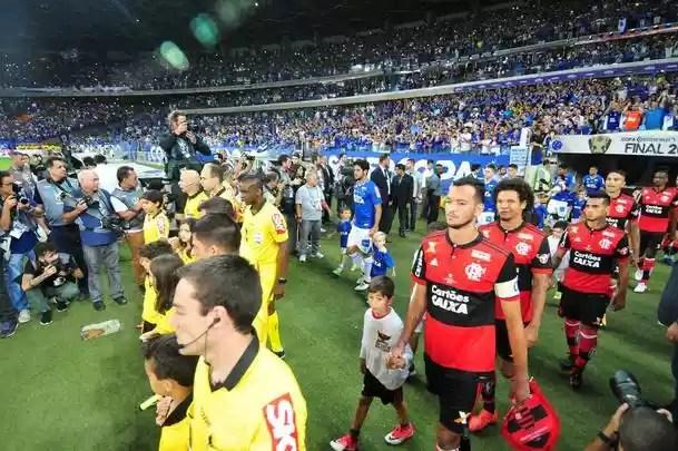 Fotos da grande decisão da Copa do Brasil entre Cruzeiro e Flamengo, no Mineirão