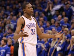 Kevin Durant carried the Thunder to a 15-point lead Monday, but he melted in the fourth quarter and overtime, missing nine of 11 shots.