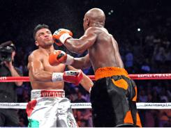 After a controversial fourth-round loss to Floyd Mayweather on Sept. 17, former WBC welterweight champion Victor Ortiz is lobbying for a rematch.